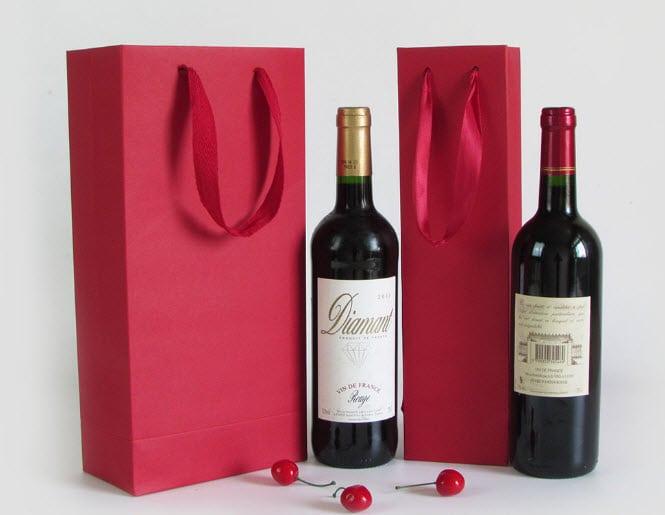Hộp cứng cao cấp đựng rượu vang là gì?